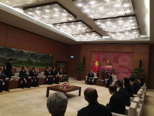 INTERPRET FOR THE MEETING BETWEEN GUNMA PREFECTURE DELEGATION AND VIETNAMESE GOVERNMENT